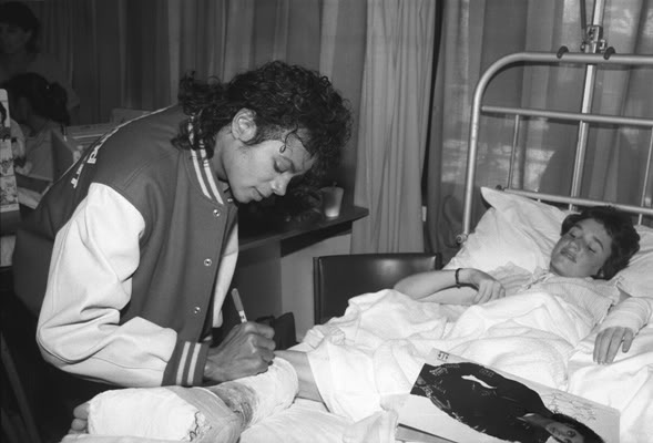 MJ in a children hospital in Melbourne, 1987