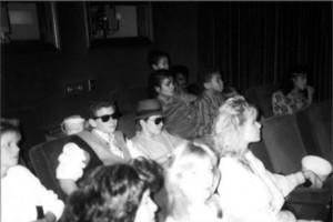 Джефф Хоффлин, Кори, Майкл, Эммануэль и Латойя в кинотеатре Майкла в Хейвенхерсте