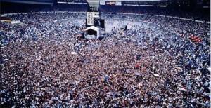 Bad-tour-crowd-1-300x154