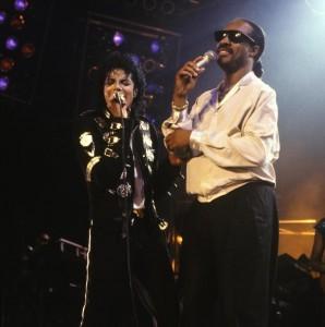 MJ-and-Stevie-Wonder-Bad-tour1-298x300