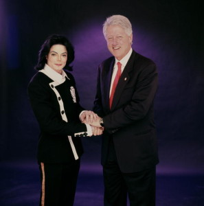 (Publicist Approval Needed) WASHINGTON, DC: Singer/Songwriter Michael Jackson and President Bill Clinton in Washington, DC on December 19, 2003. (Photo by Jonathan Exley/Contour by Getty Images)